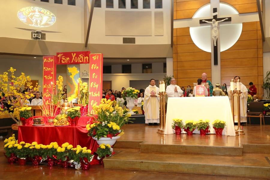 Thánh Lễ Mừng Xuân Đinh Dậu