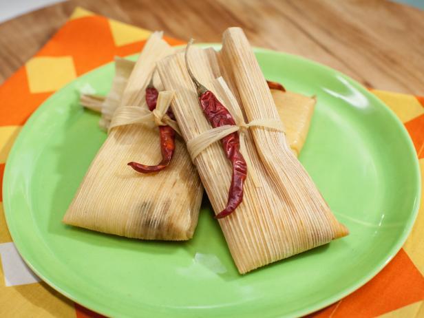 Xin ủng hộ bánh Tamales sau Thánh Lễ